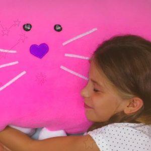 Regala a tus hijos una divertida almohada hecha por ti